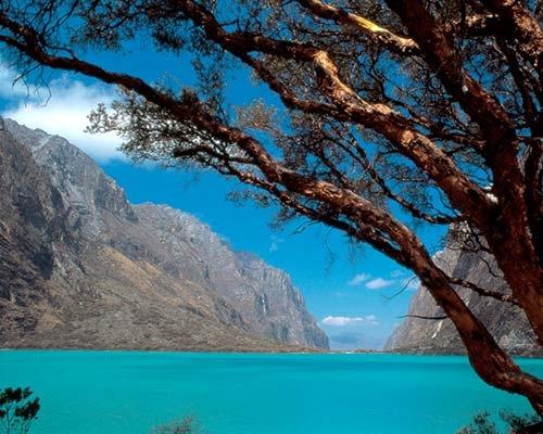 Laguna de Llanganuco