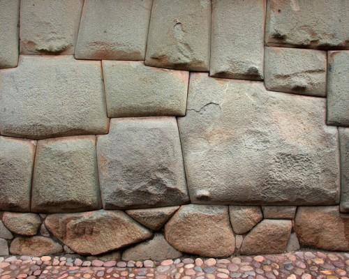 Hatun Rumiyuq piedra de los 12 angulos